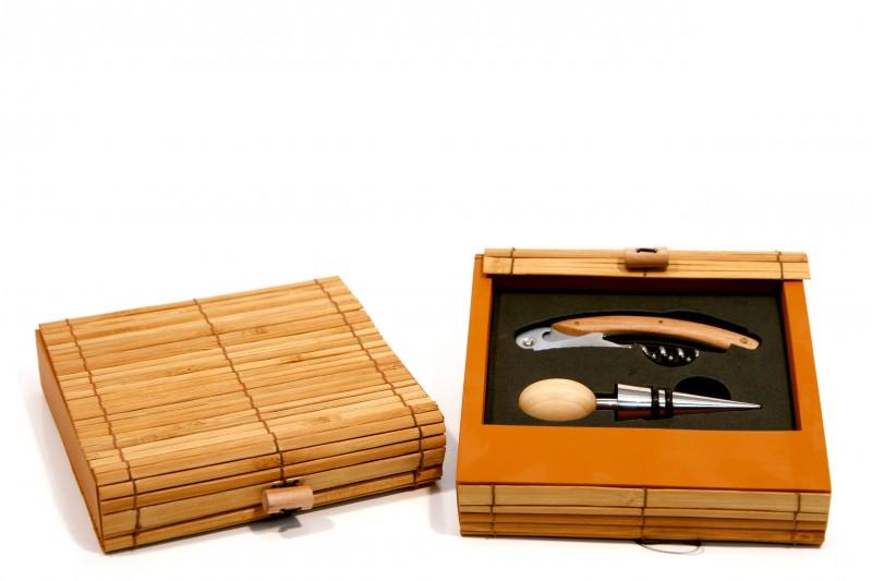 Weinset aus Bambus