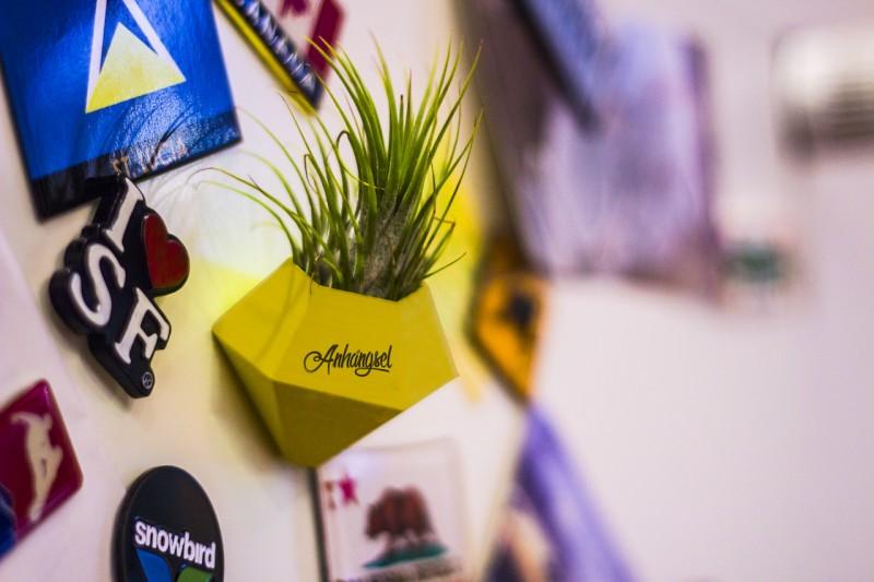 BØK – Minivase mit Magnetbefestigung gelb