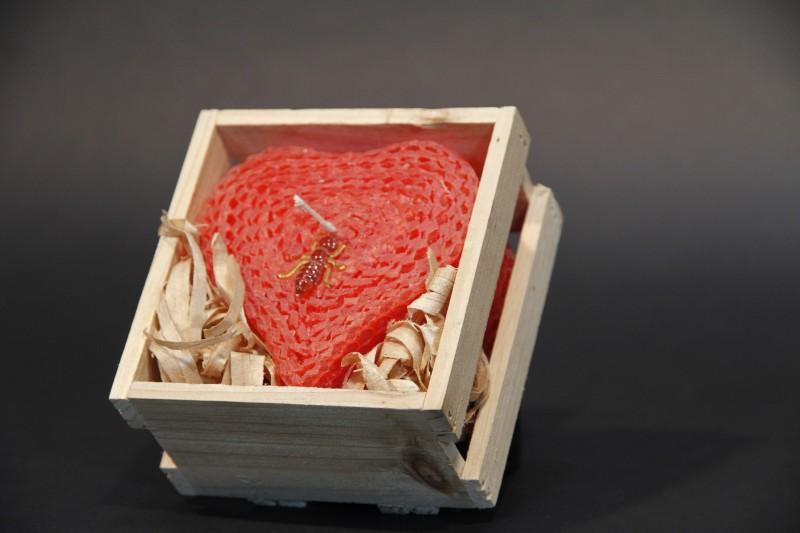 Bienenwachs Herzkerze in Holzbox