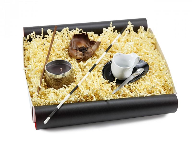 Geschenkbox 'Espressissimotasse Tasse' mit Kaffeeduftkerze - Geschenk für Genießer