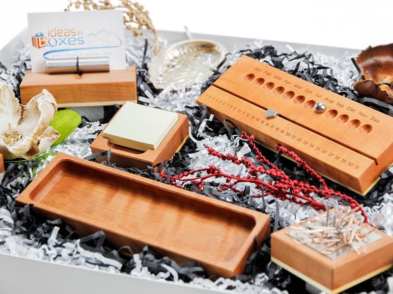 Bürobox für den Schreibtisch (Büroklammerhalter + Schale + Notizzettel + Ewiger Kalender + Visitenkartenhalter + Stifteschale) von ideas in boxes