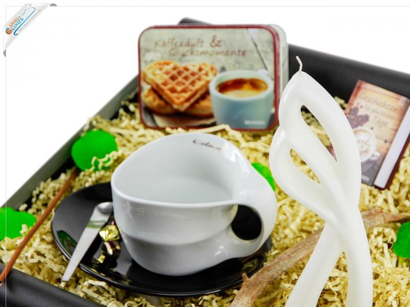 """Mitbringbox """"Kaffeeduft"""" (Teedose *Kaffeeduft & Glücksmomente* + Alusi® Ava """"Die Tänzerin"""" Motivkerze + Luigi Colani Designer Jumbotasse mit Untersetzer ) Valentinstags Box"""