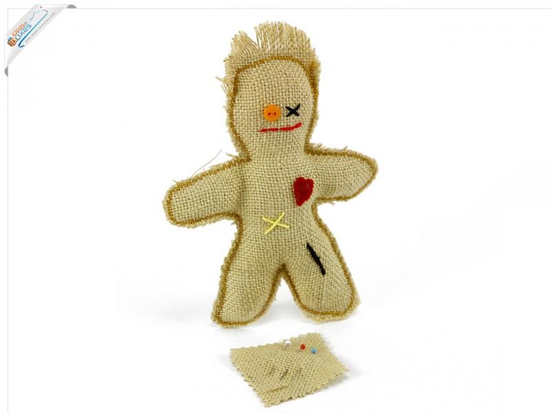 Voodoo Puppe inklusive Nadeln - Schwarze Magie und Liebeszauber