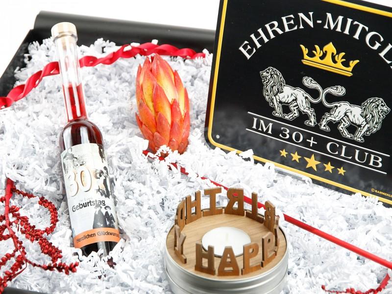 """Geschenkbox """"30´Geburtstag"""" (Geburtstagslikör Erdbeer-Chili 30´ + Blechschild zum Geburtstag - Ehrenmitglied im 30+ Club + SCHACHTELGESCHICHTEN: Happy Birthday) von ideas in boxes"""