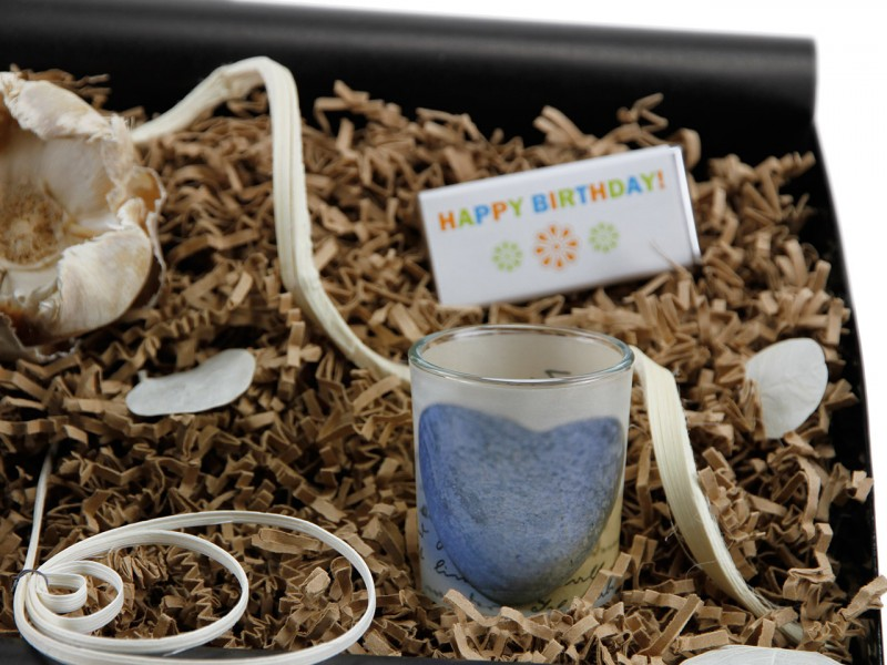 """Geschenkbox von Herzen """"60´ Geburtstag"""" (Apotheker Weinflasche zum 60 Geburtstag + Teelicht"""