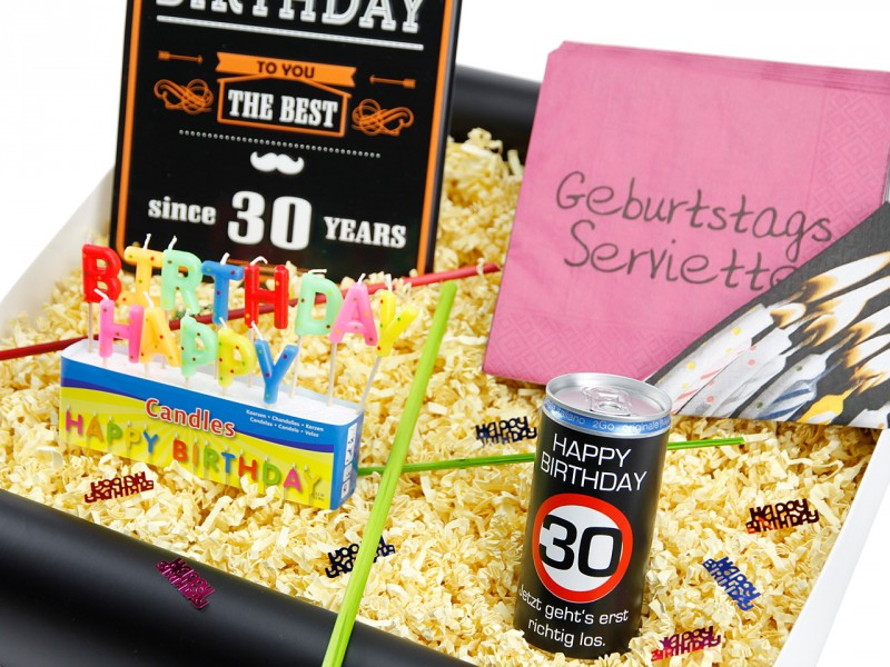 "Geburtstagsbox zum 30´ ""Happy Birthday"" (Blechschild - Happy Birthday 30 Jahre + Secco Bianco + Happy Birthday Kerzen + Servietten Geburtstag ) von ideas in boxes"