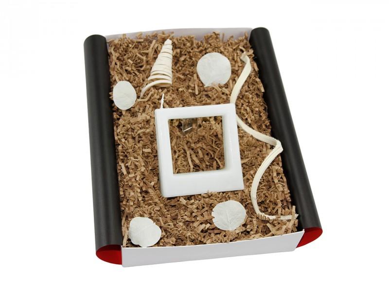 """Besondere Geschenkbox """"Quadra tre"""" Kerze (Geschenkidee für Männer und Frauen) Romantikbox für Sie und Ihn"""