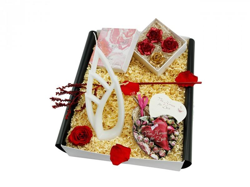 """Mitbringbox """"Von Herzen für Dich"""" (Alusi® Livia Grande """"Das Blatt + Herz-Teedose + 4er Set Mini Rosenseifen metallic + Dekorose rot) Kleine Liebesbox"""