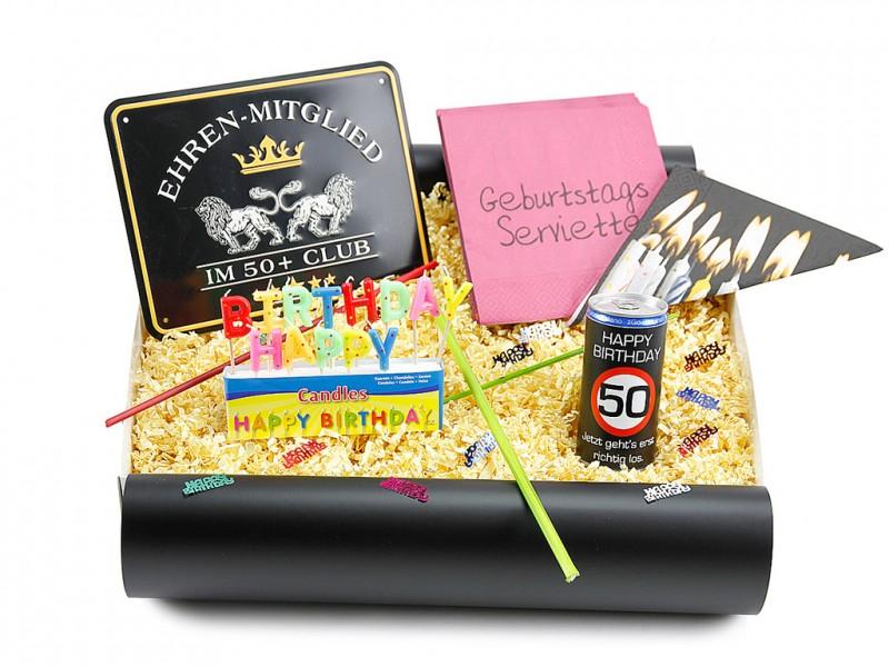 """Geburtstagsbox zum 50´ """"Ehrenmitglied"""" (Blechschild zum Geburtstag - Ehrenmitglied im 50+ Club  + Secco Bianco zum 50 Geburtstag + Happy Birthday Kerzen + 20x Servietten Geburtstag) von ideas in boxes"""